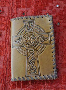 Bolso de cuero cruz Celta.